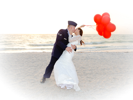 couple-with-balloons